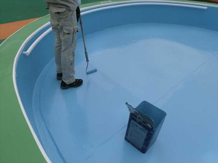 プールコートスペシャルAU2回目の塗装です。
